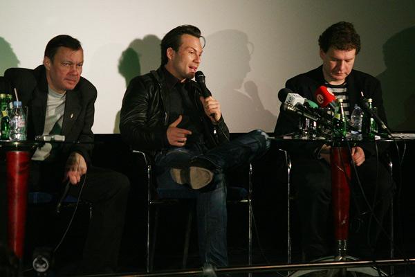 на троих: Горчаков, Кристиан Слейтер, Медведев ;)
